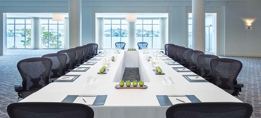 hamilton-princess-beach-club-fairmont-managed-hotel-bermuda