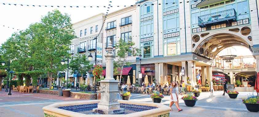 Santana-Row-Park-Fountain-and-Blvd