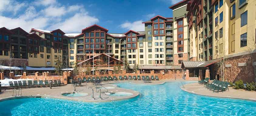 Grand Summit Hotel_Pool