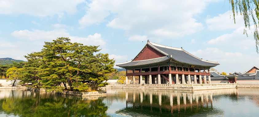 gyeonghoeru-pavilion-gyeongbakgung